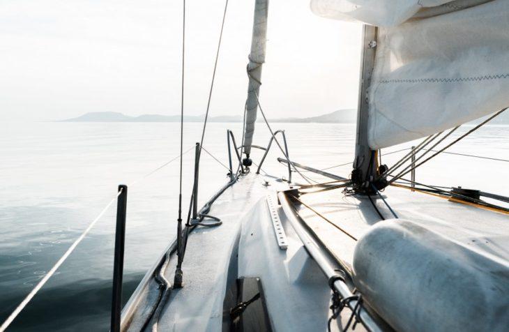Derfor skal du bruge Jotun bundmaling til din båd